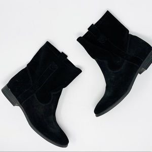 VINCE CAMUTO Black Suede Ankle Boot Bootie